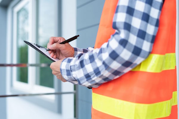 Good Questions to Ask a Roofing Job Applicant